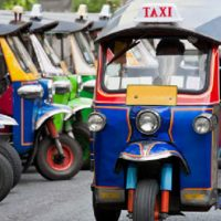Tuk Tuk - Kendaraan Khas Thailand Yang Unik Dan Lucu