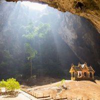 Nikmati Keindahan Phraya Nakon Cave Yang Ada Di Thailand
