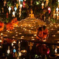 Loi Krathong - Festival Menghanyutkan Lilin Dan Bunga Di Thailand
