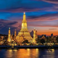 Cerita Dibalik Keindahan Wat Arun Di Thailand